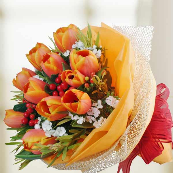flowersdeliverymanila.com | 10 Tulips Hand Bouquet | Flowers ...