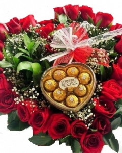 Great Love. ferrero Heart arrangement with 24 red roses ...