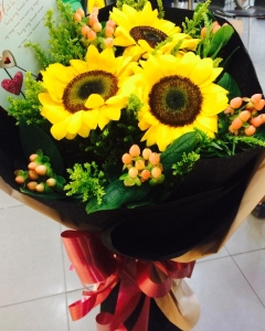 sunflower Bouquet W/LOVE YOU CARD