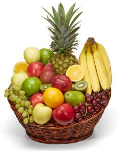 12 item Colossal Fruit Basket