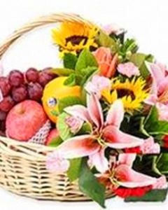 8 items Fruits & Flowers Basket