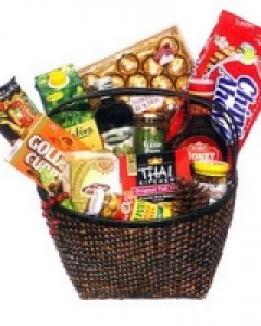 Chocolate & gift Basket Christmas